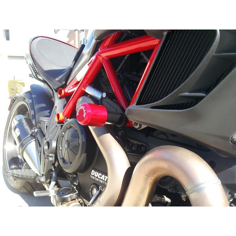 WOODCRAFT Ducati Diavel Frame Slider Kit (50-1399 pucks Included)