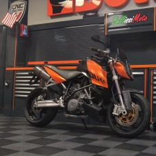 2007 KTM SuperDuke 990 with Full Titanium Akrapovic Exhaust!
